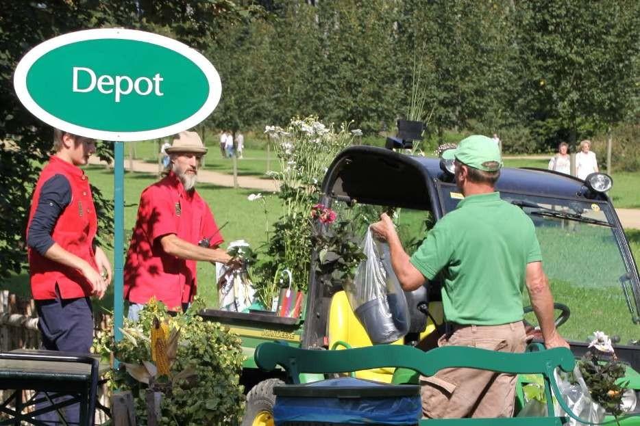 082_0252a_16 Sept 2011_Gartenfest_Aussteller