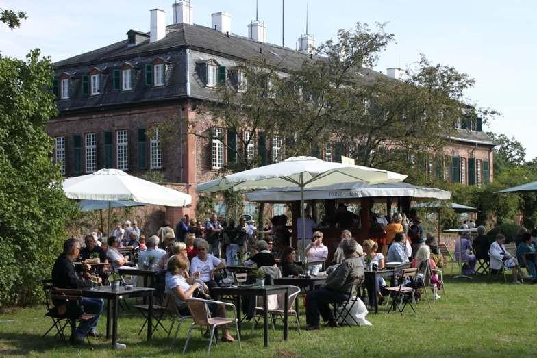 111_0414_16 Sept 2011_Gartenfest_Schloss Wolfsgarten_Aussteller