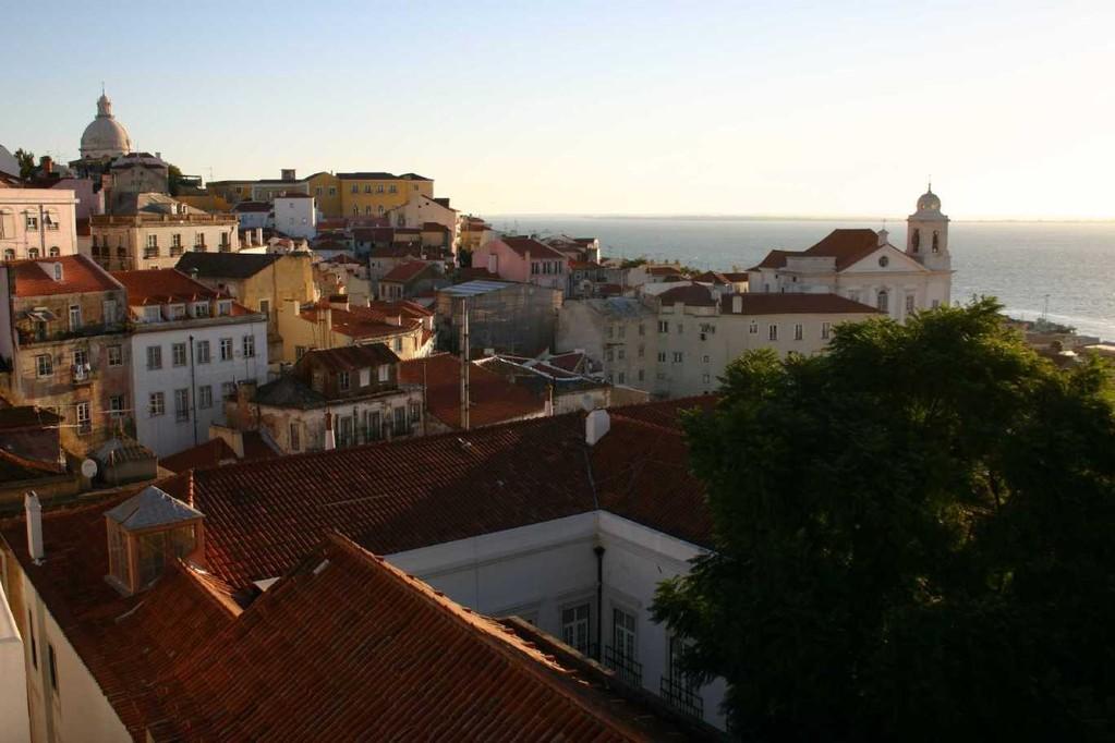 0407_01 Nov 07_Lissabon_Miradouro de Santa Luzia_Igreja de Santa Engracia
