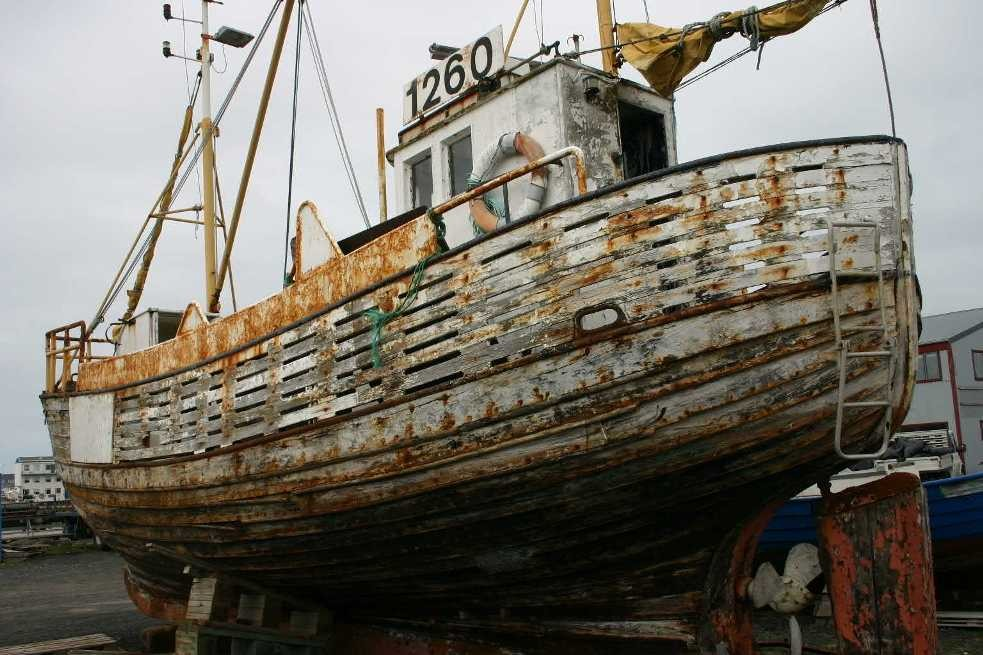 Bild 0551 - Island / Reykjavik, Schiff im Trockendock