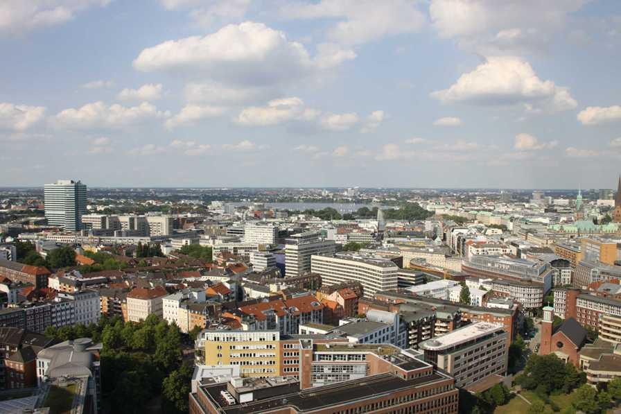 0137_10 Juni 2011_Hamburg_Michel_Aussicht