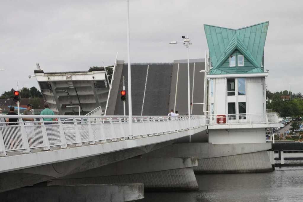 0017_06 Aug 2011_Kappeln_Klappbrücke