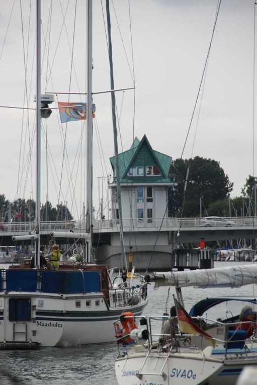 0098_06 Aug 2011_Kappeln_Klappbrücke_Segelschiffe