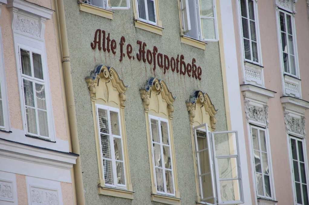 0115_21 Aug 2010_Salzburg_Alte Hofapotheke