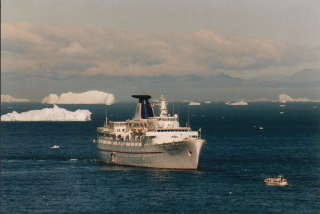 Ocean Monarch vor Ilulissat / Grönland