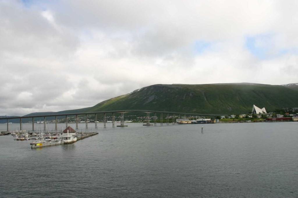 Bild 2218 - Norwegen, Tromsö, Hafen & Eismeerkathedrale