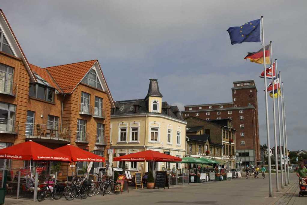0083_06 Aug 2011_Kappeln_Hafen_Promenade