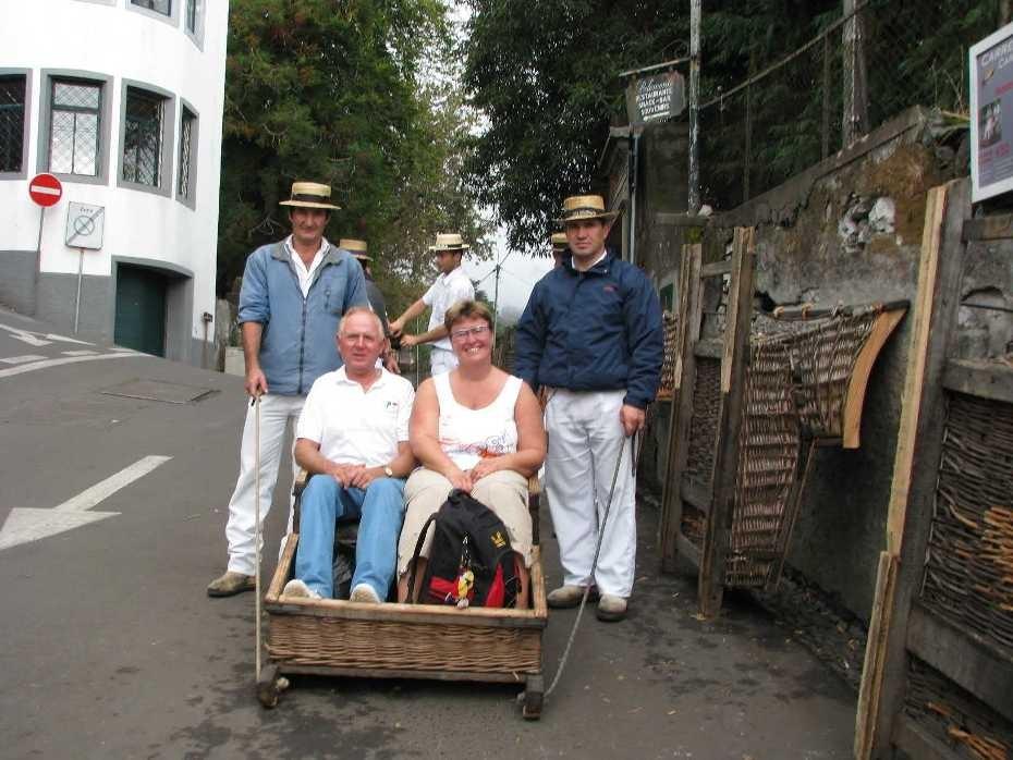 1284_14 Okt 2010_Madeira_Monte_Korbschlittenfahrt