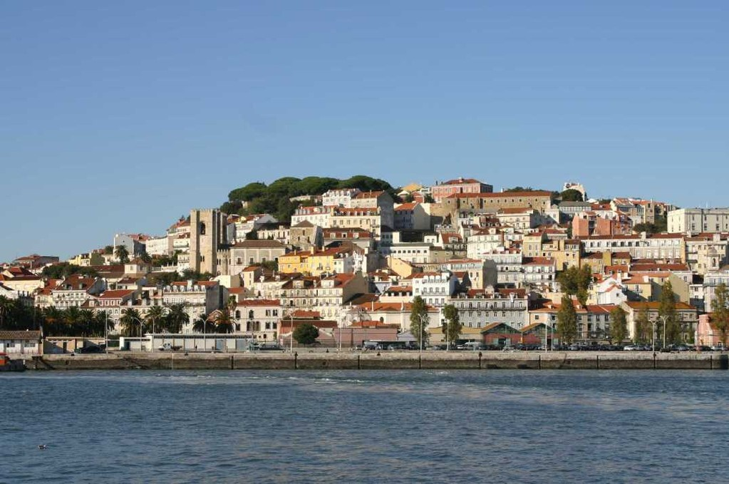0266_31 Okt 07_Lissabon_Boots-Tour_Kathedrale Se