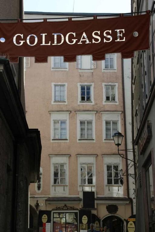 0119_21 Aug 2010_Salzburg_Goldgasse