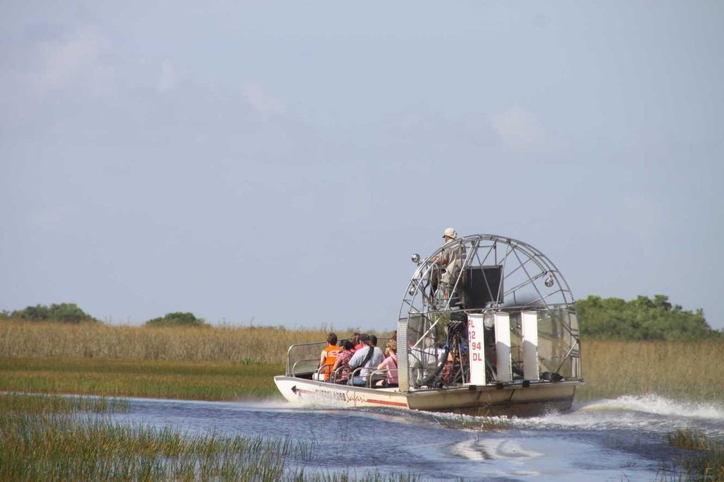 1697_14 Juni 2010_Everglades_Airboat Ride_Sümpfe_Boot