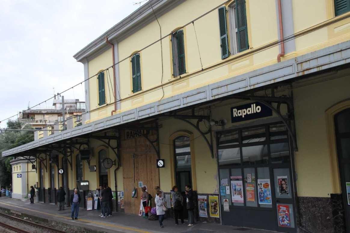0035_06 Okt 2013_Rapallo_Bahnhof