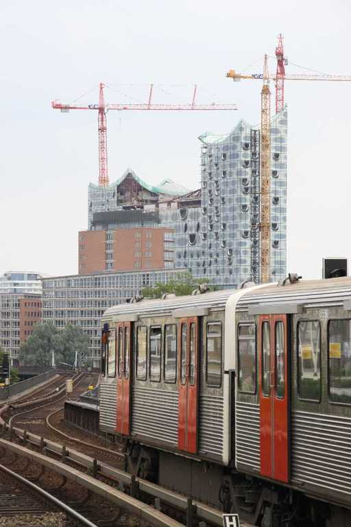 0078_10 Juni 2011_Hamburg_Elbphilharmonie_S-Bahn