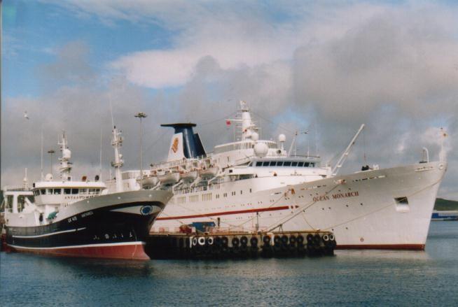 Ocean Monarch im Hafen von Lerwick