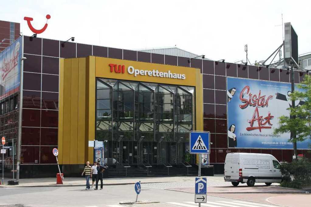 0080_10 Juni 2011_Hamburg_Reeperbahn_TUI Operettenhaus