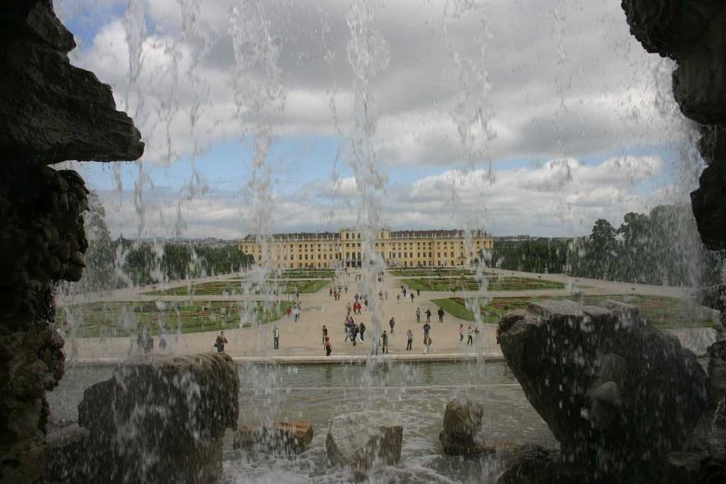 0382_22 Mai 08_Wien_Schloss Schönbrunn_Neptunbrunnen