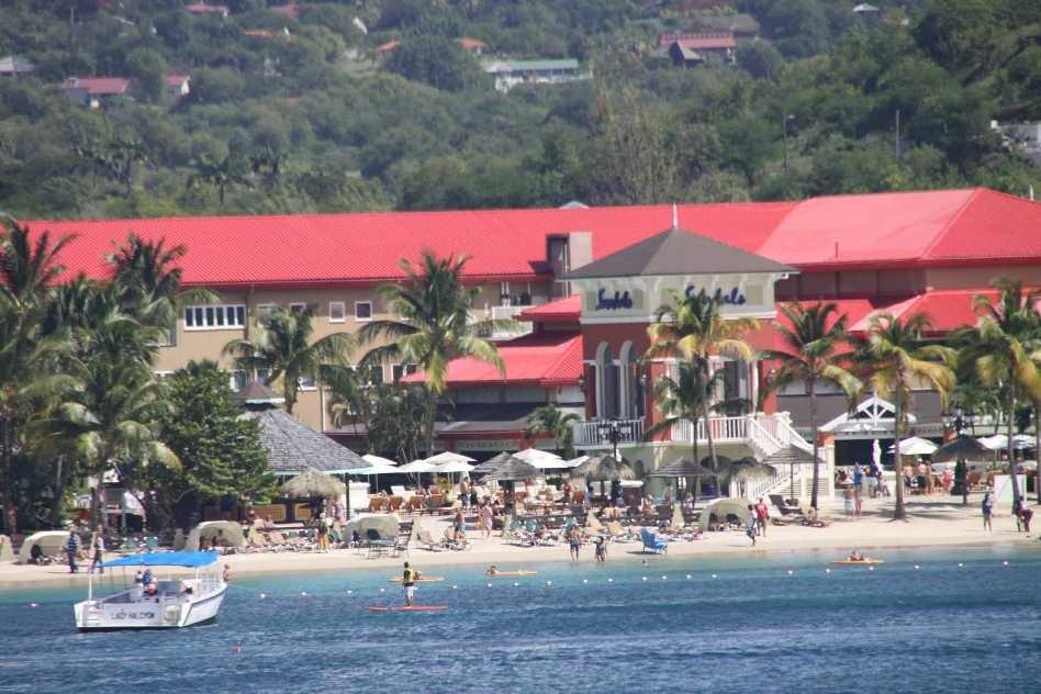 0432_24 NOV 2013_St-Lucia_Rodney Bay