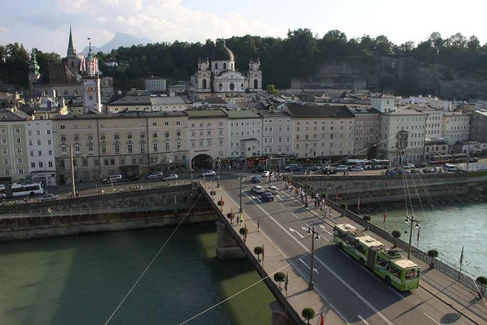 0387_21 Aug 2010_Salzburg_Salzach_Staatsbrücke
