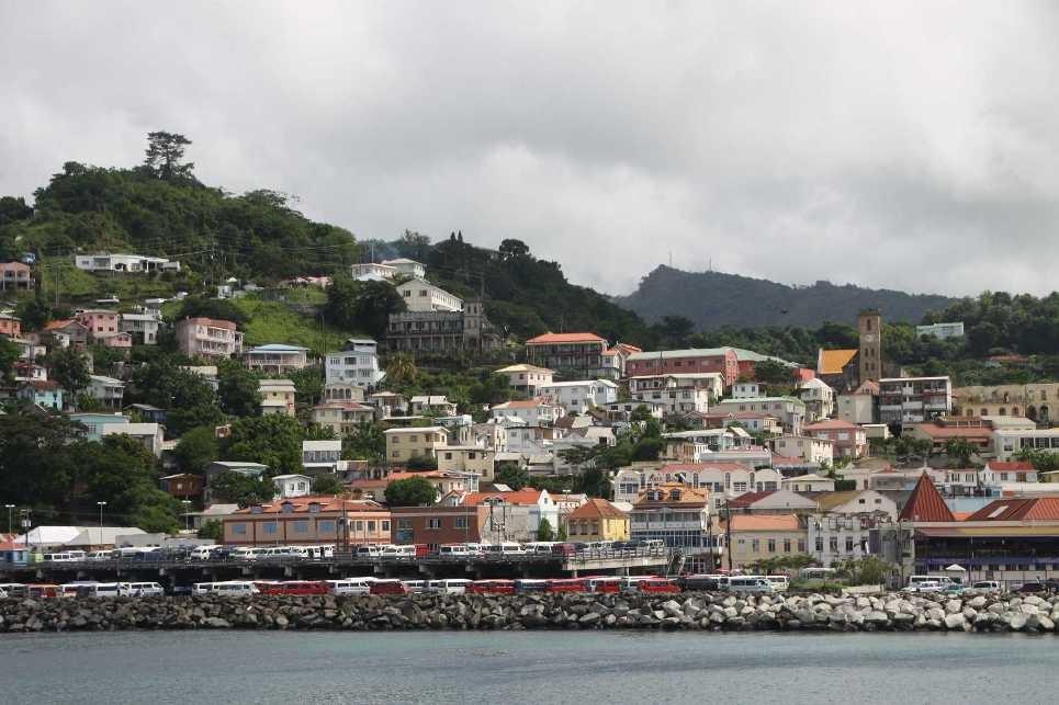 2969_02 DEZ 2013_Grenada_St-Georges