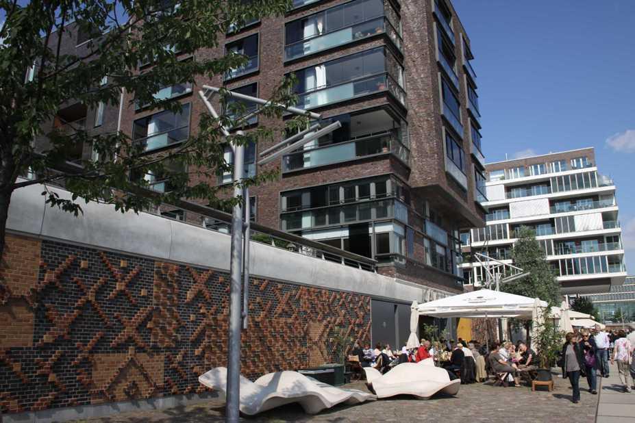0443_11 Juni 2011_Hamburg_Hafen-City_Vasco-Da-Gama-Platz