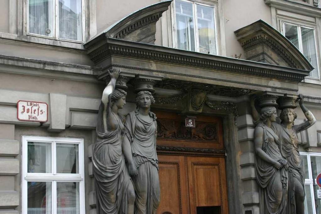 0118_21 Mai 08_Wien_Josefsplatz
