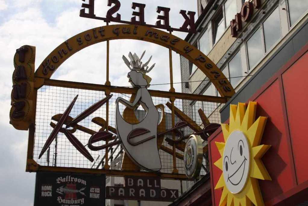 0083_10 Juni 2011_Hamburg_Reeperbahn_Cafe Keese