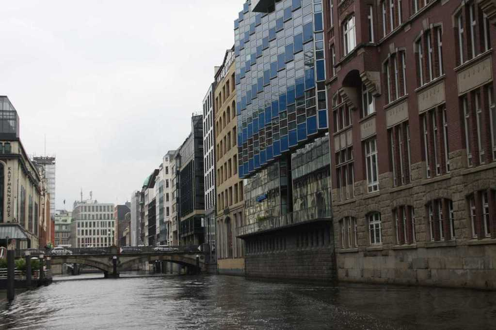 0277_11 Juni 2011_Hamburg_Alsterfleet