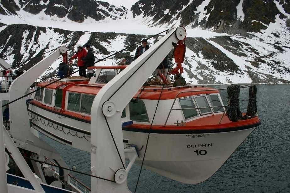 Bild 1183 - Spitzbergen, Magdalenenbucht, MS Delphin, Tender