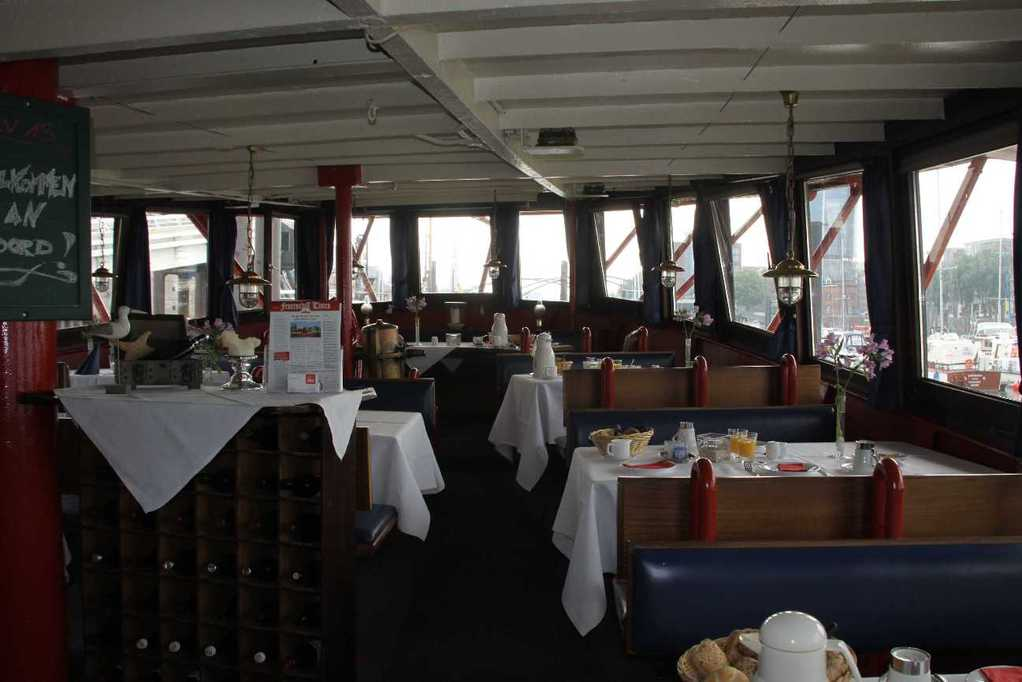 0231_11 Juni 2011_Hamburg_Feuerschiff_LV13_Restaurant