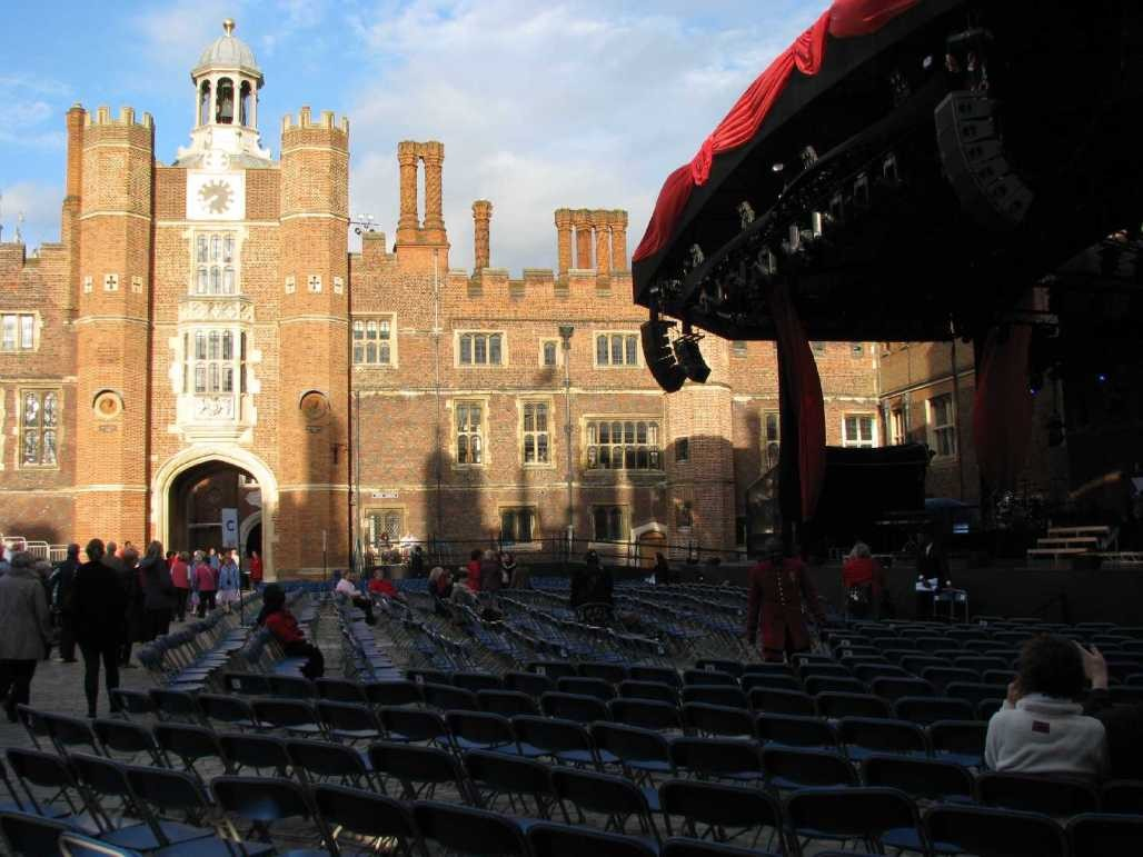 0032_23 Juni 2013_Hampton Court Palace_Stage