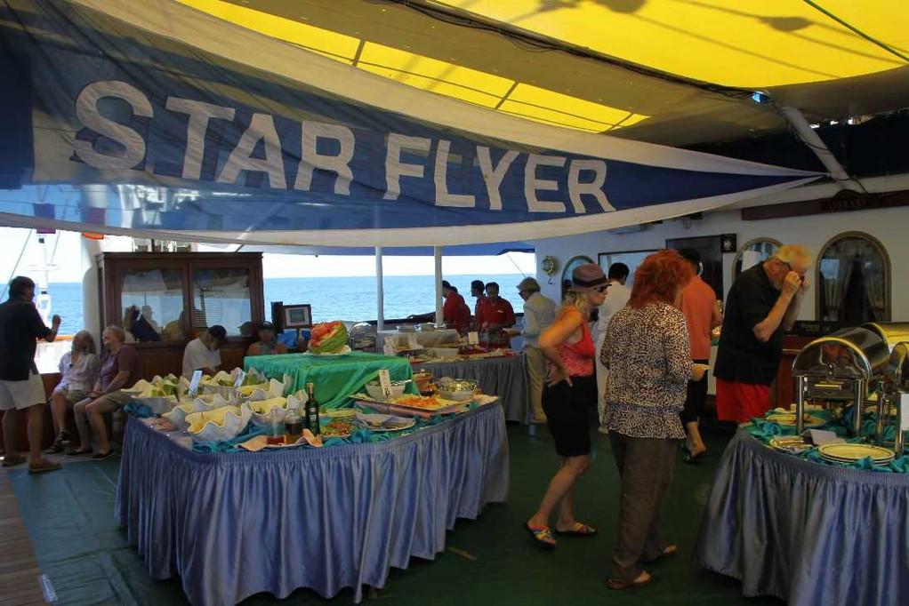 2563_26 Okt 2010_Star Flyer_Tropical Bar_Lunch