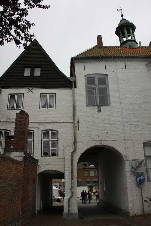 0088_31 Juli 2011_Husum_Schloßgang
