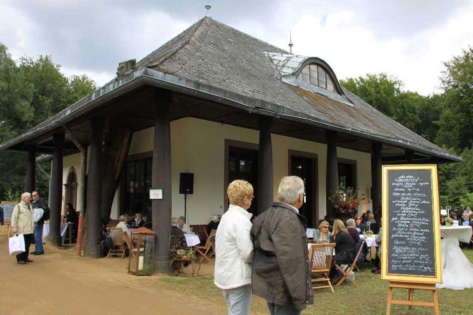 076_0215_17 Sept 2010_Gartenfest_Aussteller