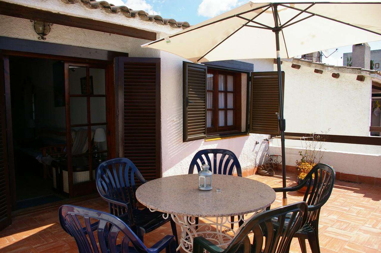 Casa de vacaciones con piscina en Tossa de Mar, Terraza con mesa