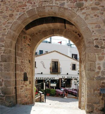 Alquiler de vacaciones en Tossa de Mar, restaurante Sa Muralla en Tossa de Mar