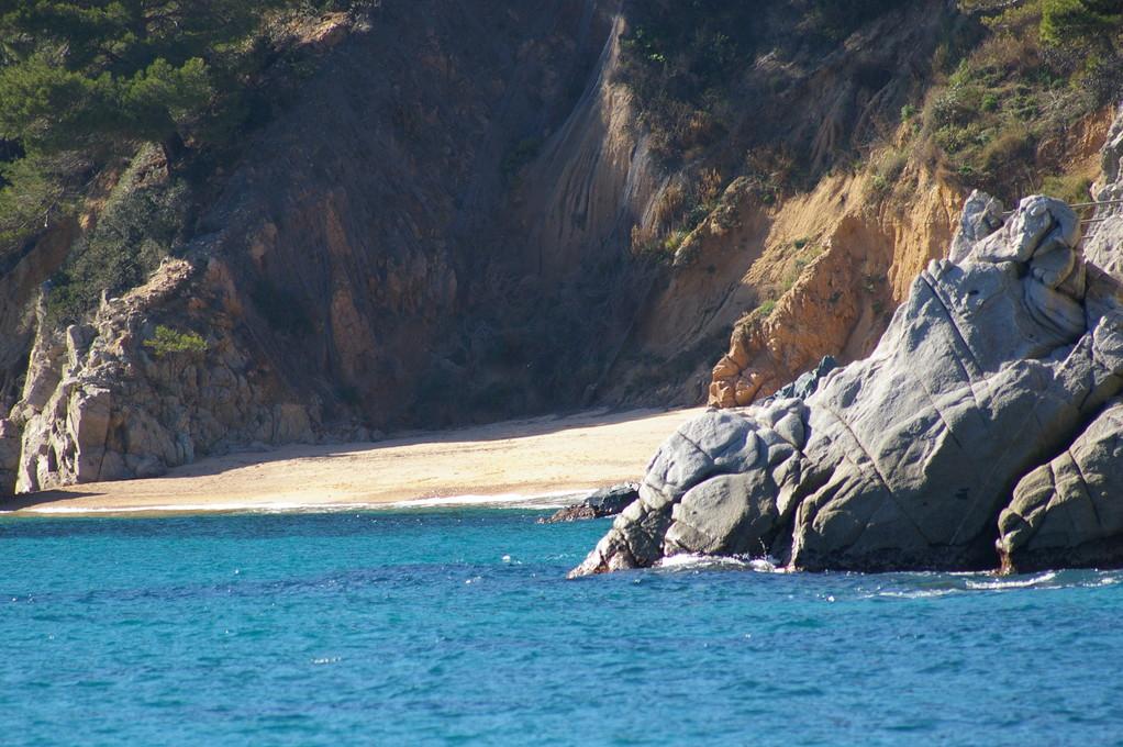Les plages de Cala Santa Maria Llorell le long de Cala Llevado