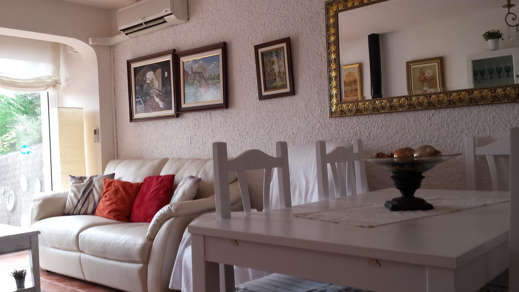 Salón (casa vacacional en Santa María de LLorell, Tossa de Mar)