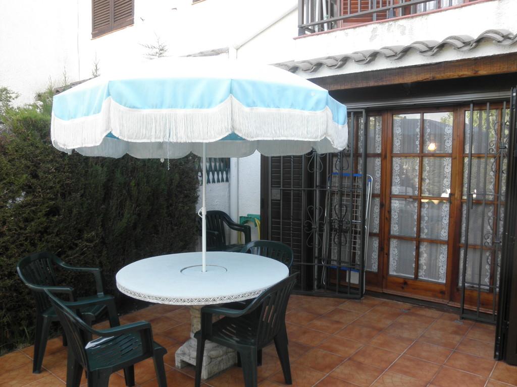 """Vistas del jardín en """"casa, alquiler, vacaciones, Costa, Brava, Girona"""""""