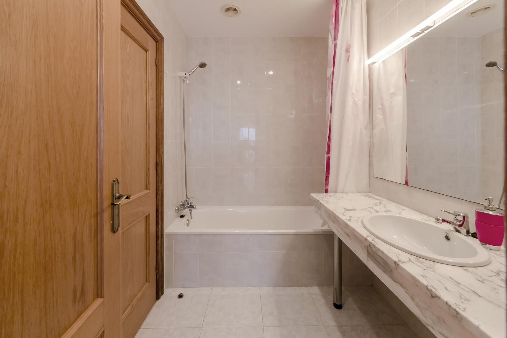 Baño en dormitorio 1