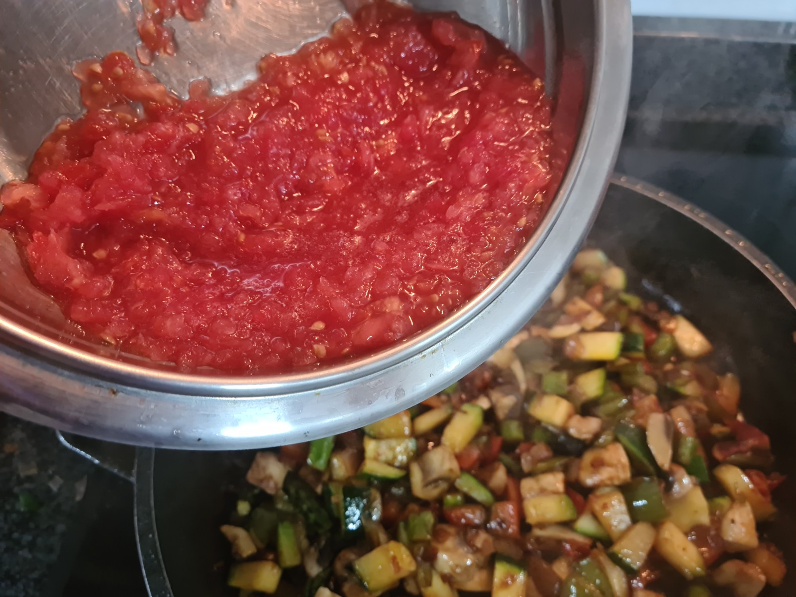 Seguidamente el tomate rallado