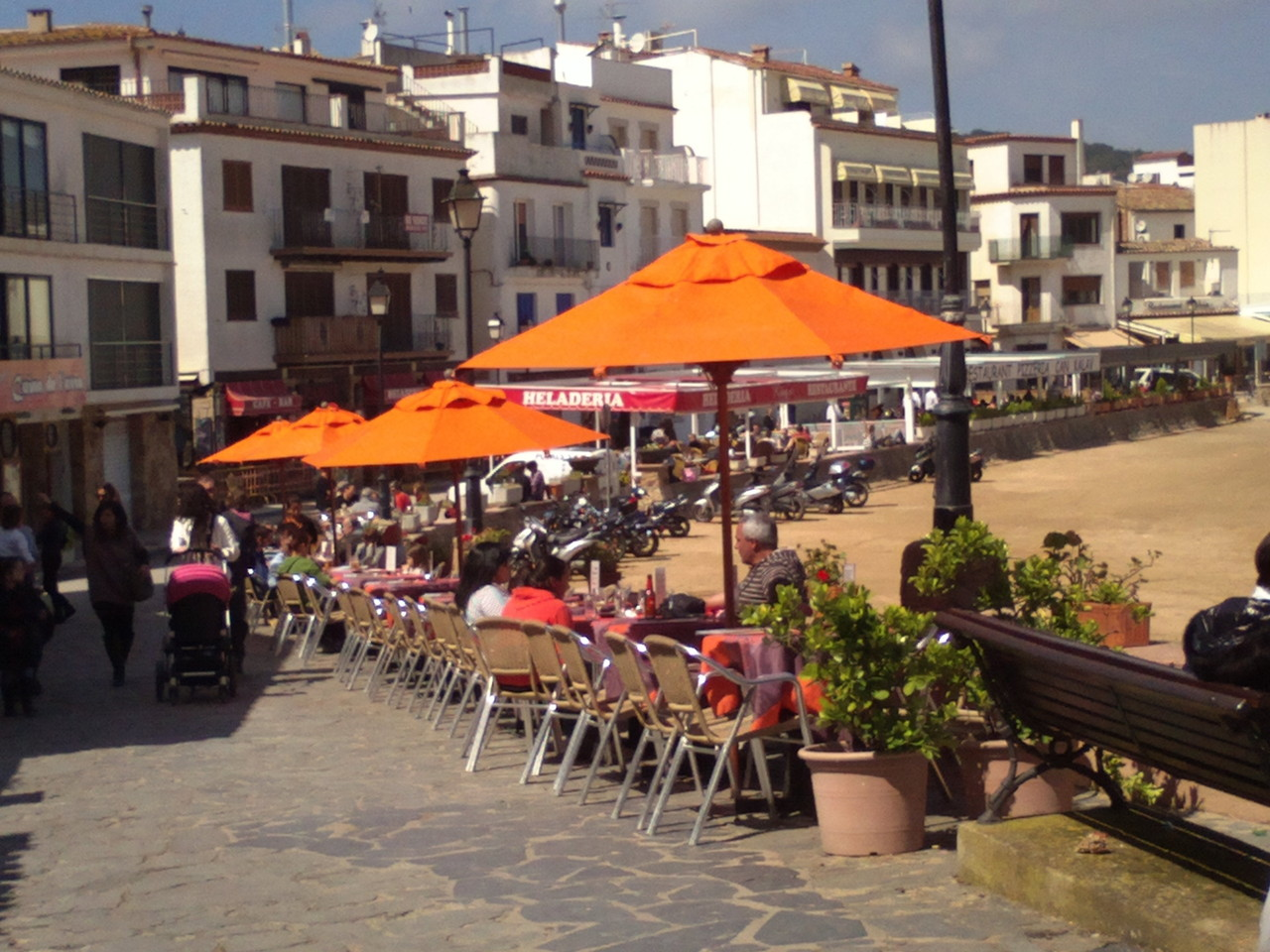 Walk of restaurants in Tossa de Mar