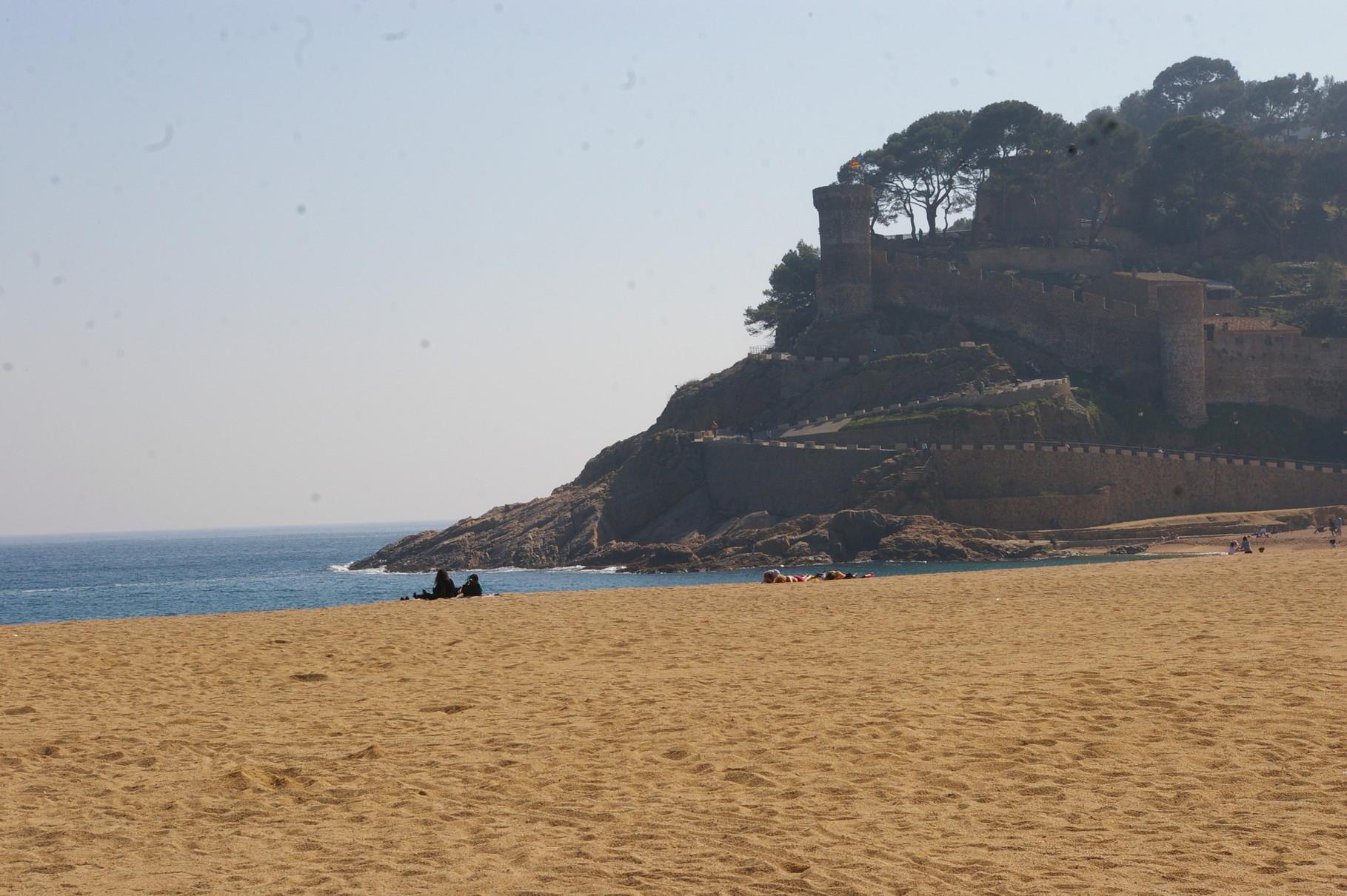 Vista de la playa desde el edificio del apartamento.