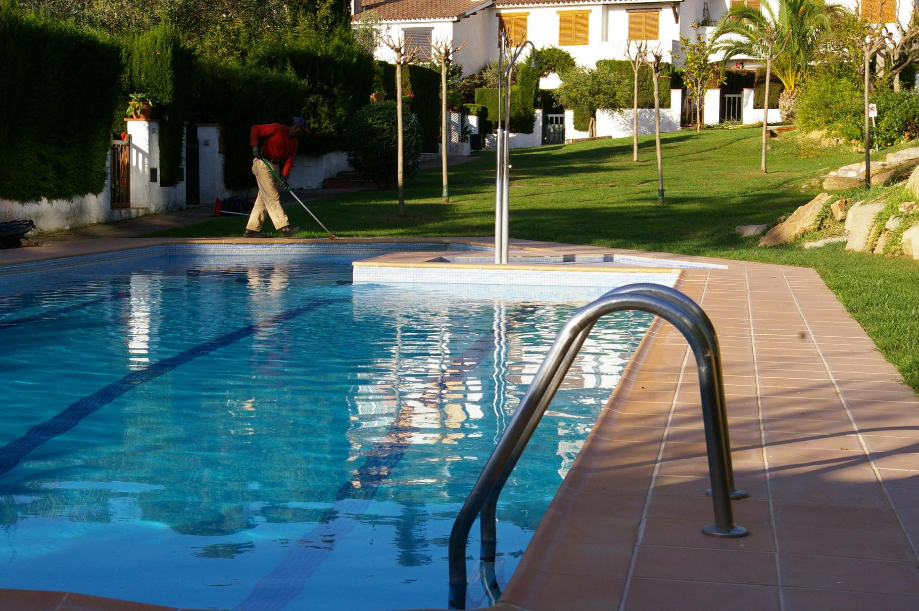 piscina comunitària