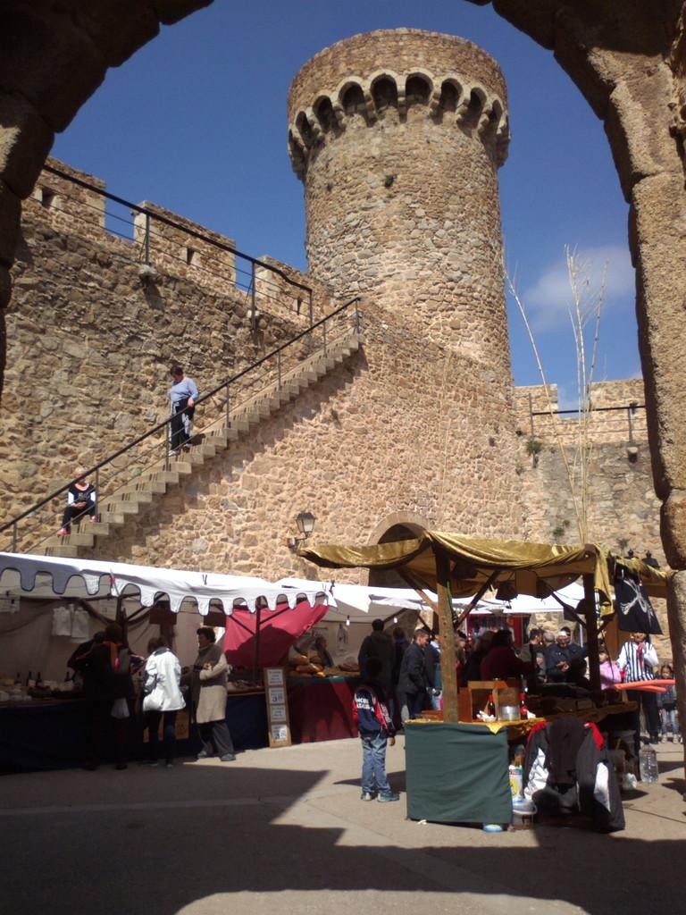 château médiéval, location d'appartement de vacances à Tossa de Mar