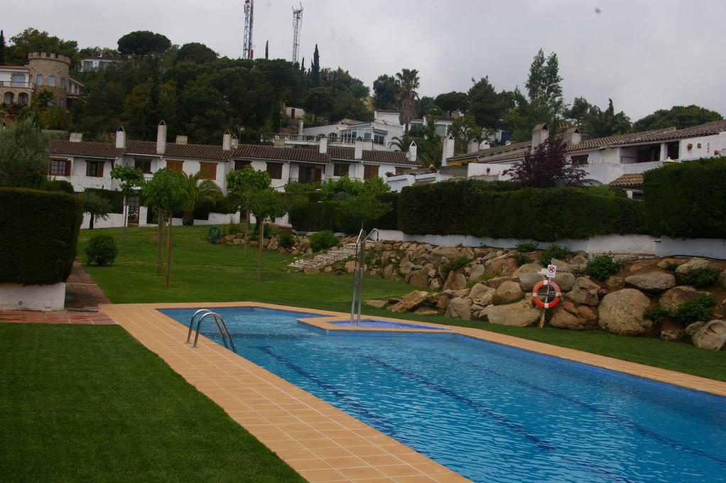 Piscina comunitaria de casa de alquiler de vacaciones en Tossa de Mar