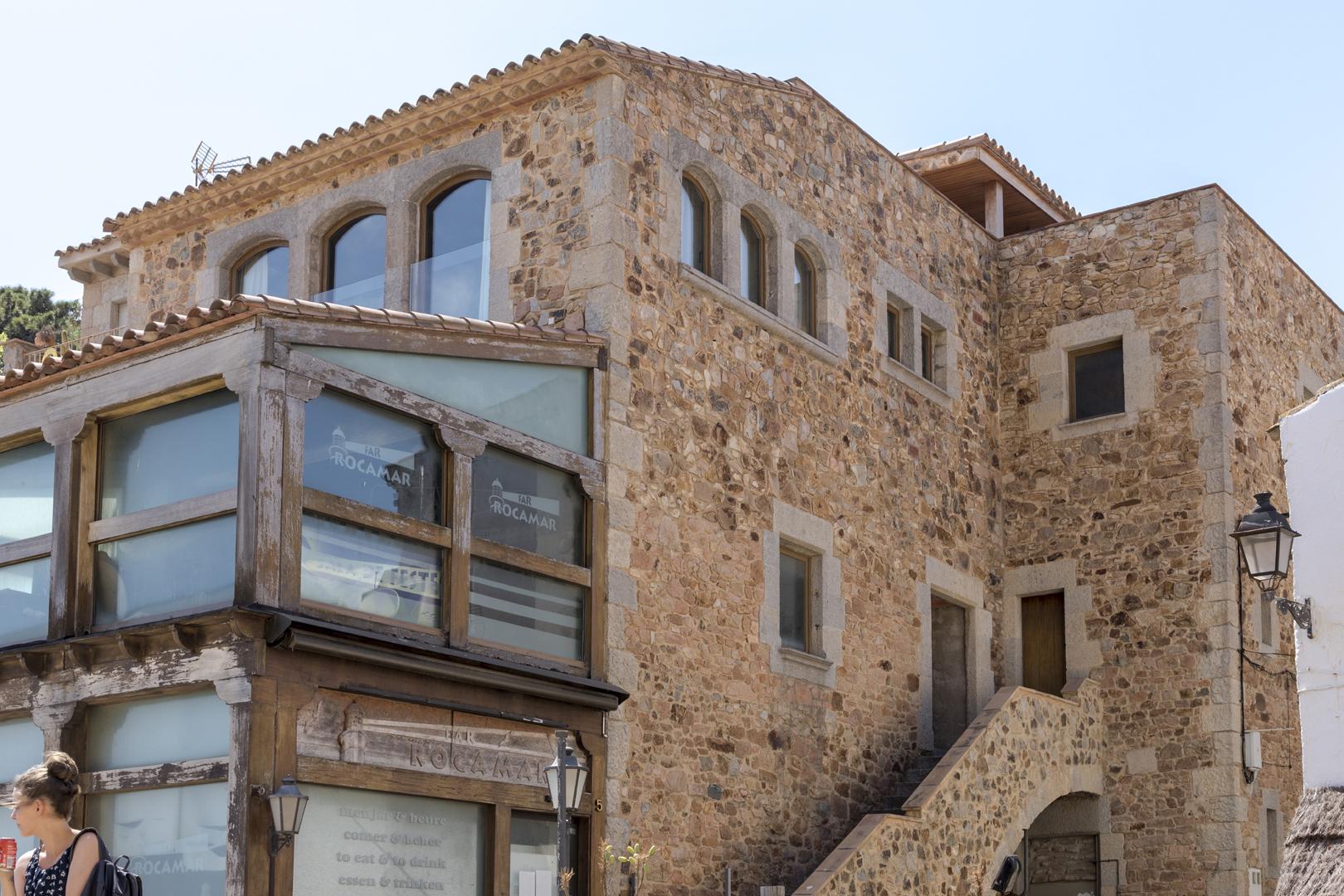 Rocamar apartment building