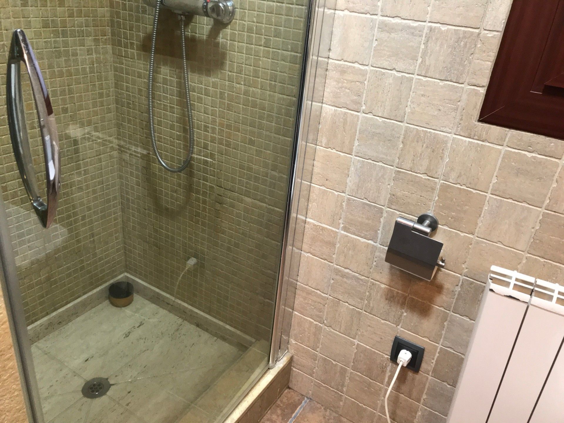 cabina de ducha en el baño