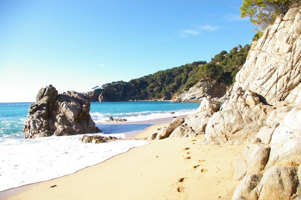 playa de Santa María de Llorell, de uso exclusivo de los residentes