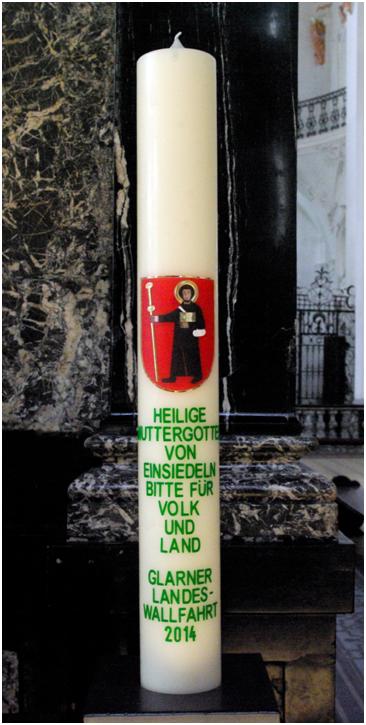 """Die erneuerte Standeskerze von 2014, bezahlt """"aus dem gemeinen Landessäckel"""", lies: Regierungsrat des Kantons Glarus."""
