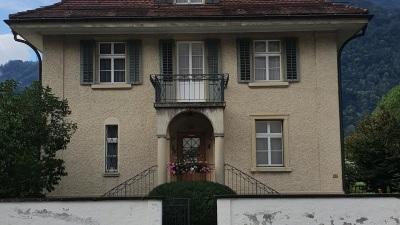 Pfarrhof Nàfels. (Quelle: Homepage Pfarrei Näfels)
